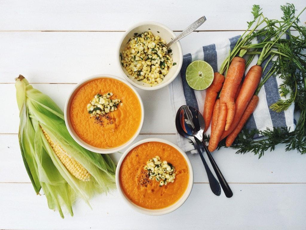 Крем суп з моркви, цибулі та імбиру