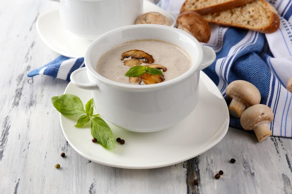 Крем суп з шампіньйонів