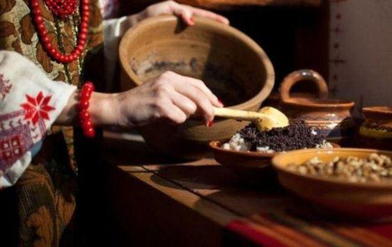 Процес приготування куті в макітрі