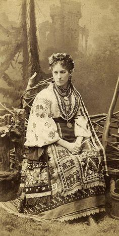 Гарна українка, мода