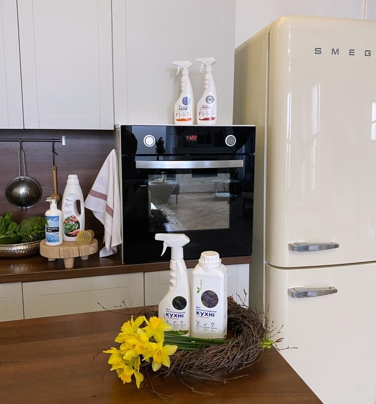 Засіб для кухні DeLaMark, безпечний засіб для прибирання дому