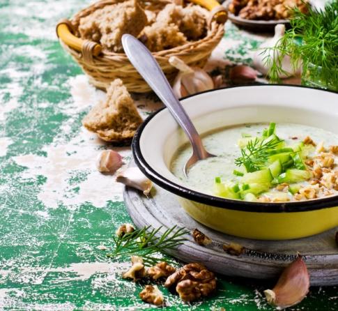 Болгарський таратор, холодний суп, рецепт літнього супу