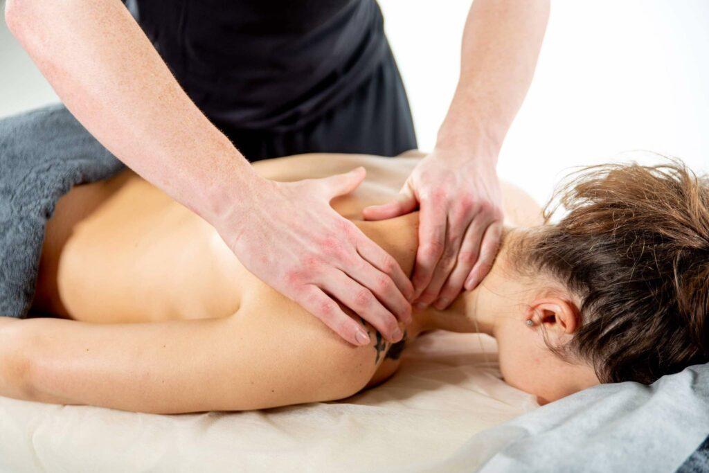 Моделюючий масаж, техніка виконання моделюючого масажу